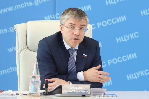 Единороссы отозвали подписи под законопроектом о захоронении Ленина