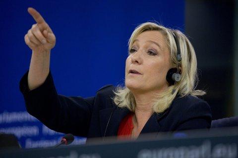 Марин Ле Пен не ставит под сомнение законность воссоединения Крыма с Россией