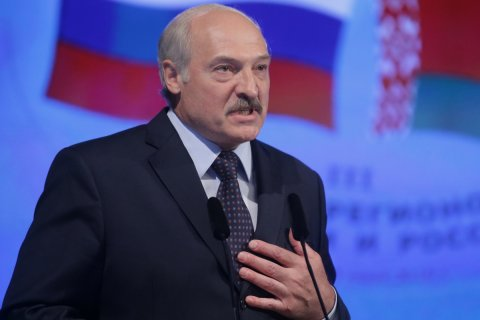 Лукашенко рассказал журналистам о России: Там за взятку можно все