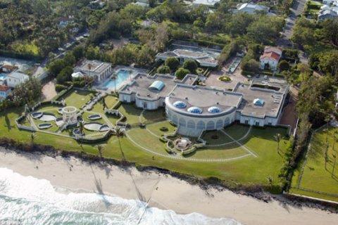 Российский миллиардер купил поместье за 95 млн долларов и снес его