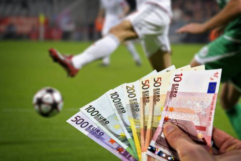 64 футболиста РФПЛ получают более 100 млн рублей в год каждый