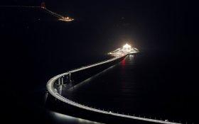 В Китае открыли самый длинный морской мост в мире. Частично он проходит под водой