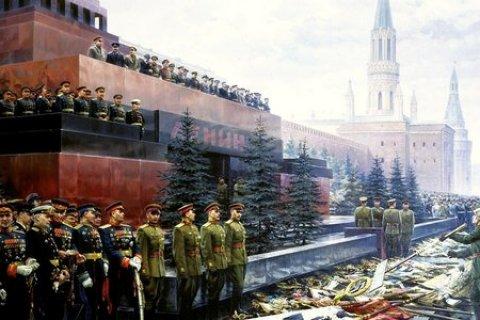 Геннадий Зюганов призвал Путина снять декоративные ограждения с Мавзолея В.И.Ленина