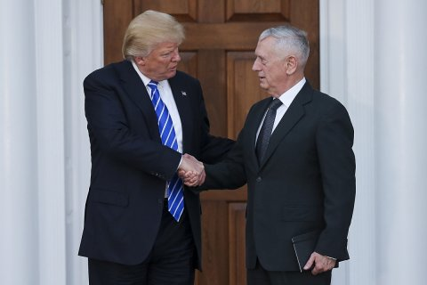 Глава Пентагона Мэттис призвал говорить с Россией «с позиции силы»