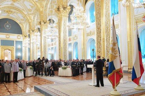 Путин пообещал увеличивать денежное довольствие военнослужащих