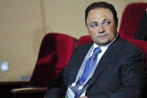 Мэр Владивостока одновременно арестован, отправлен в Москву и находится на рабочем месте