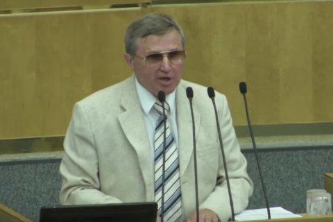 Олег Смолин: Закон о повышении пенсионного возраста улучшен поправками президента, но остается крайне вредным