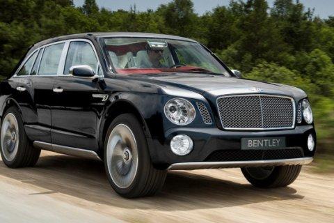 За 4 месяца в России продано 63 джипа Bentley, стоимость каждого — зарплата учителя за 167 лет