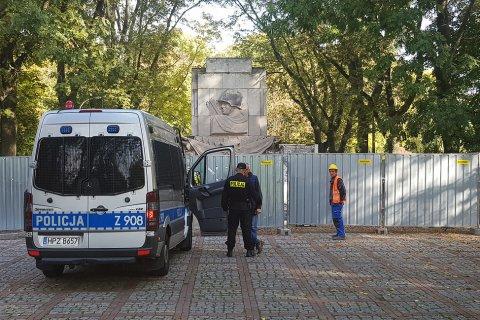 В Варшаве убрали последний памятник Красной Армии