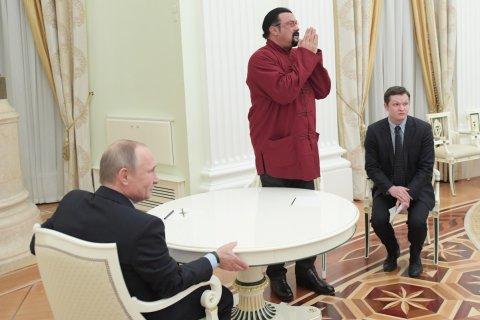 ВЦИОМ: 78% россиян поддержали переселение в Россию русскоязычных из бывших республик СССР