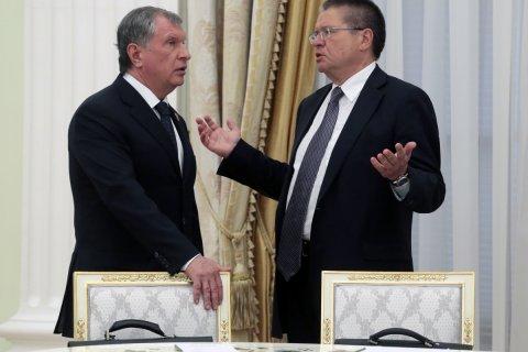 Reuters: Сечин лично присутствовал при передаче Улюкаеву 2 млн долларов