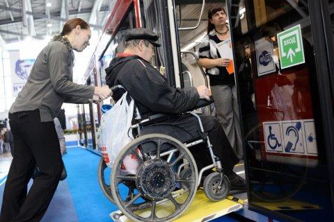 Отечественные коляски для инвалидов обошлись бюджету дороже импортных