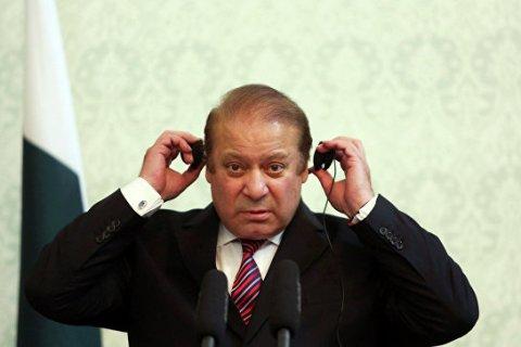 В Пакистане премьера отстранили от власти из-за скандала с «панамским досье», в России — наградили орденами