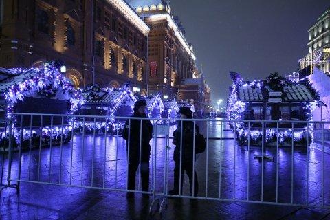 В дни новогодних гуляний крупные развязки в Москве перекроют грузовиками