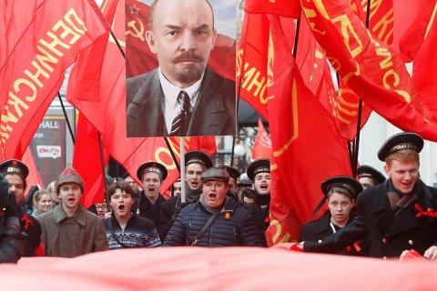 Опрос: Треть россиян назвали возможным повторение Октябрьской революции