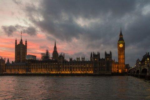 Британский парламент призвал расширить санкции против России