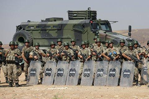 Турция готова перекрыть границу с Сирией