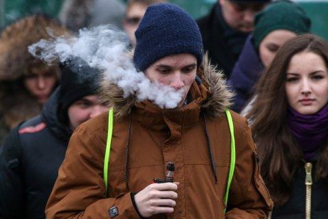 В Мосгордуме одобрили запрет на кальяны и электронные сигареты в общественных местах