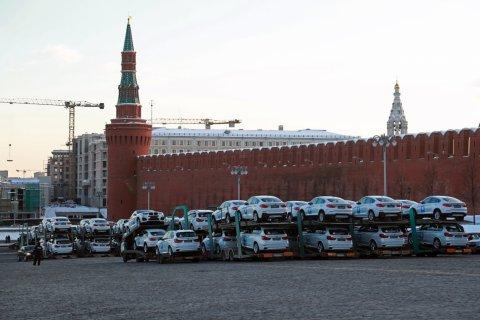 Олимпийцам подарили автомобили BMW на 300 млн рублей. В соцсетях возмутились: Уже всем больным детям помогли?