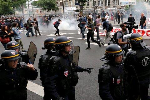 Во Франции 30 тысяч человек протестуют против трудовой реформы