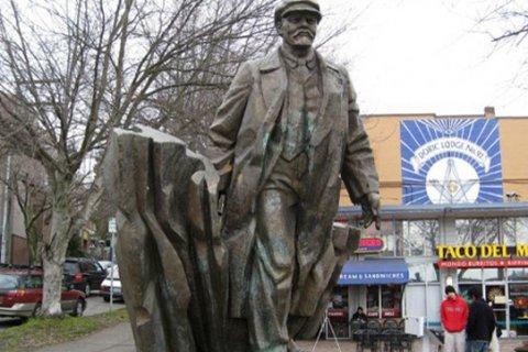 КПРФ предложила перевезти памятник Ленину из Сиэтла в Россию